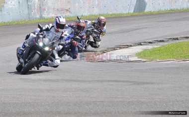 TOP AUTOS: Maverick Vinales Buka Selubung Yamaha R15 Terbaru di Sentul