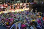 VIDEO: Polisi Tangkap Pencuri Bunga Penghormatan Korban Tragedi