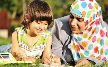 Begini Cara Mengajarkan Toleransi Menurut Islam agar Tidak Rasis