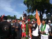 "Sejumlah ""Jawara"" Ikut Kawal Pemeriksaan Habib Rizieq"