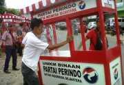 Perindo Lampung Bagikan Gerobak untuk Tunjang Peningkatan Pendapatan Pedagang