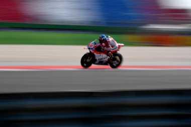Test Rider Ducati Ragukan Desmosedici Tanpa Winglet
