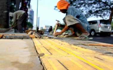 \TERPOPULER: Jalur Pejalan Kaki Harus Ada Fasilitas yang Memudahkan\