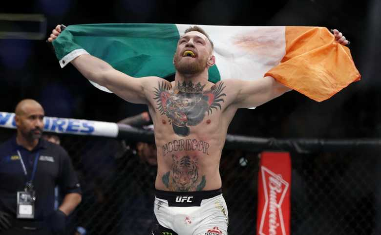 McGregor Yakin <i>Mega Fight</i> Melawan Mayweather Akan Raup Rp13.3 Triliun