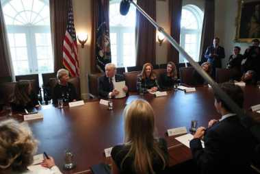 100 HARI TRUMP: Trump Sebut Perempuan Berperan Besar dalam Ekonomi