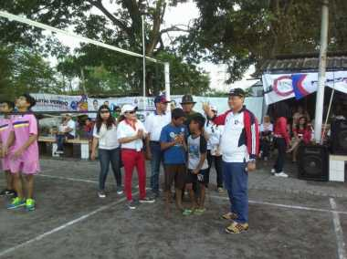 Hafal Mars Perindo, Dua Bocah Dapat Hadiah di Turnamen Voli HT Cup