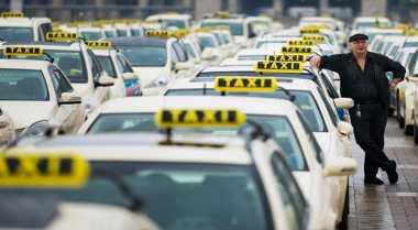 \TERPOPULER: Aturan Kurang Tegas Berimbas pada Kebangkrutan Perusahaan Taksi\