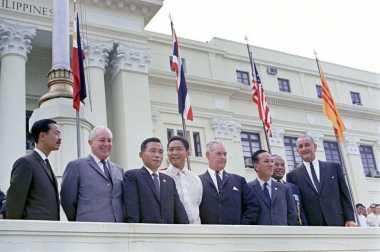 HISTORIPEDIA: Pembubaran Pakta Pertahanan Asia Tenggara