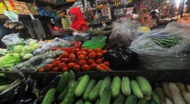 \Benahi Pasar Tradisional, Jokowi Minta Pedagang Diberi Seragam\