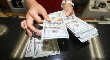 \Dolar AS Melemah di Tengah Ketidakpastian Kebijakan\