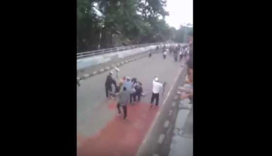 """Ketakutan, Pelaku Tawuran """"Berdarah"""" di <i>Flyover</i> Pasar Rebo Kabur dari Rumah"""