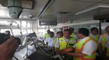 \Kapal Jakarta-Surabaya Kurangi Volume Angkutan hingga 20%\