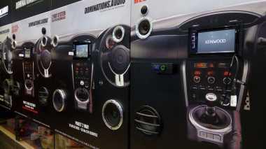 Siapa Saja Kalangan Pembeli Produk Audio Mobil Aftermarket?