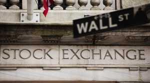 Wall Street Kembali Cetak Rekor, Dow Jones Tembus 21.000