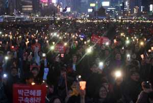 Presiden Dilengserkan, Warga Korsel Tetap Gelar Unjuk Rasa
