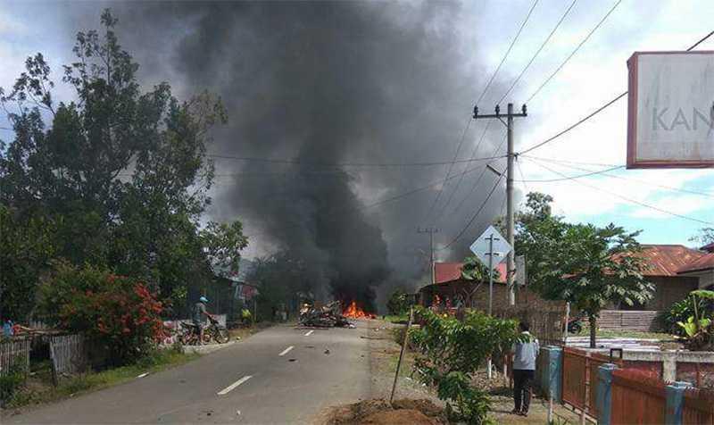 Bentrok Warga di Kerinci, Sejumlah Sepeda Motor Ludes Dibakar