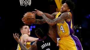 Clippers Hancurkan Lakers dalam Derby Los Angeles