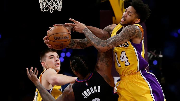 Clippers Hancurkan Lakers dalam <i>Derby</i> Los Angeles