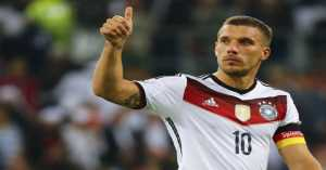 Laga Perpisahan Lukas Podolski Populer di Medsos