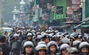 Ratusan Personel Gabungan Amankan Demo Peduli Freeport