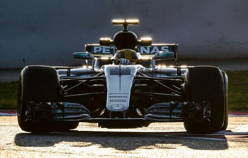 Nico Rosberg Pensiun, Lewis Hamilton Tak Pikirkan Balas Dendam