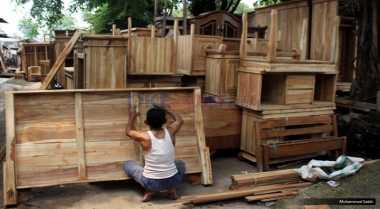 \Industri Mebel Jangan Cuma Terpusat di Pulau Jawa\
