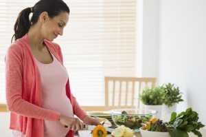 Cukup Konsumsi Sayur dan Buah Selama Hamil Cegah Kanker Mata Ganas pada Bayi