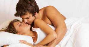 4 Hal dari Wanita yang Cepat Bangkitkan Gairah Seks Pria