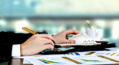 \BUSINESS HITS: Tips Urus Anak di Saat Keinginan Berkarier\