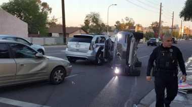 Mobil Tanpa Sopir Uber Kecelakaan