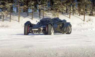 Ketika Mobil Batman Ngedrift, Nih Videonya!