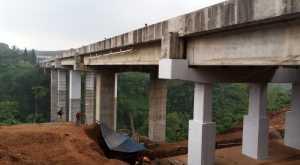 Bawa Beban 45 Ton, Truk Dilarang Lintasi Jembatan Cisomang