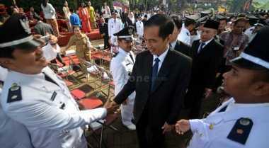 \BUSINESS HITS: Jokowi Tak Mau Pengusaha Jadi Manja dan Minta Difasilitasi   \
