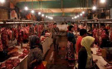 \Mentan Ancam Cabut Izin Importir Daging yang Lamban   \