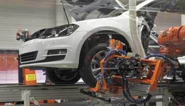 BUSINESS HITS: Sri Mulyani Minta Generasi Muda Tak Kalah dari Robot