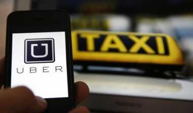 \BUSINESS HITS: Pemerintah Terlambat Waspadai 'Serangan' Angkutan Online\