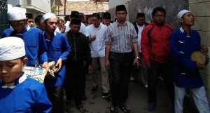 Sambangi Warga Kelurahan Joglo, Sandiaga Uno Disambut Musik Marawis