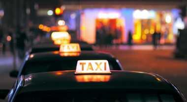 \Aturan Taksi Online Belum Tentu Pengaruhi Angka Pengangguran\
