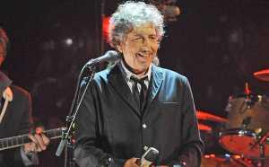 Bob Dylan Terima Hadiah Nobel di Stockholm Akhir Pekan Ini