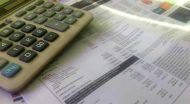 \BUSINESS HITS: Rugi Naik 27%, First Media Semakin Tenggelam   \