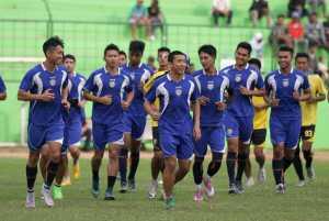 Arema Ladeni Tantangan PSMS Medan