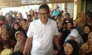 Fenomena Kampanye Bagikan Sembako, Sandiaga: Cara Tersebut Merusak Demokrasi