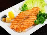 Yummy..Makan Salmon Bantu Bakar Lemak di Pinggang