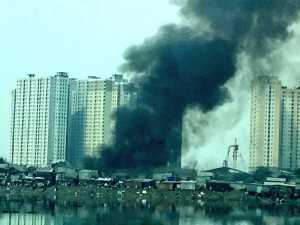 Pemukiman Padat Dekat Waduk Pluit Jakarta Utara Kebakaran