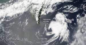 Satelit NASA Tangkap Fenomena Angin Topan di Samudera Atlantik