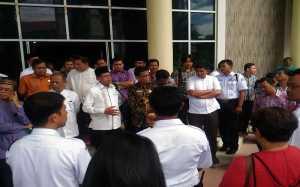 Tunjangan Belum Dibayar, Tenaga Teknik Kampus UNP Demo Rektor