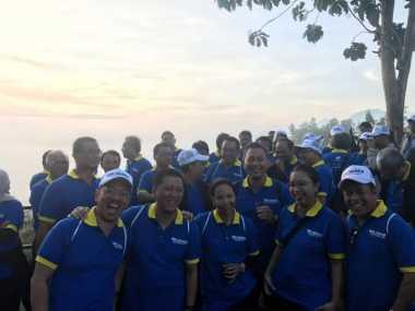 \BUSINESS HITS: Liburan Menteri Rini ke Lokasi Syuting AADC\