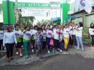 Peserta Jalan Sehat Kartini Perindo Jatim Arungi 5 Km