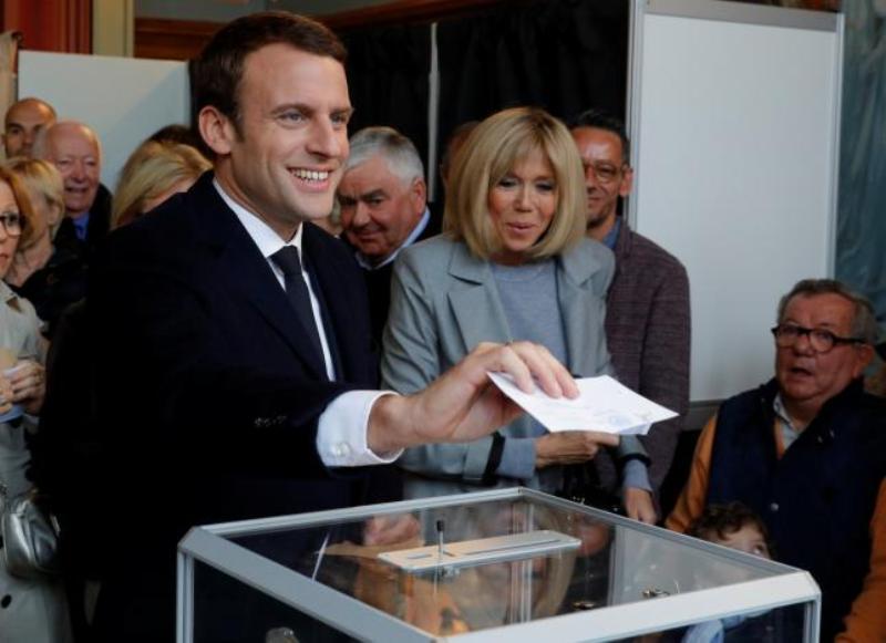 Hitung Cepat, Macron Akan Hadapi Le Pen di Ronde Kedua Pilpres Prancis