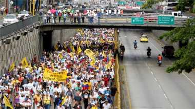 \Gawat! Sisa USD10 Miliar, Venezuela Mulai Kehabisan Uang Tunai\